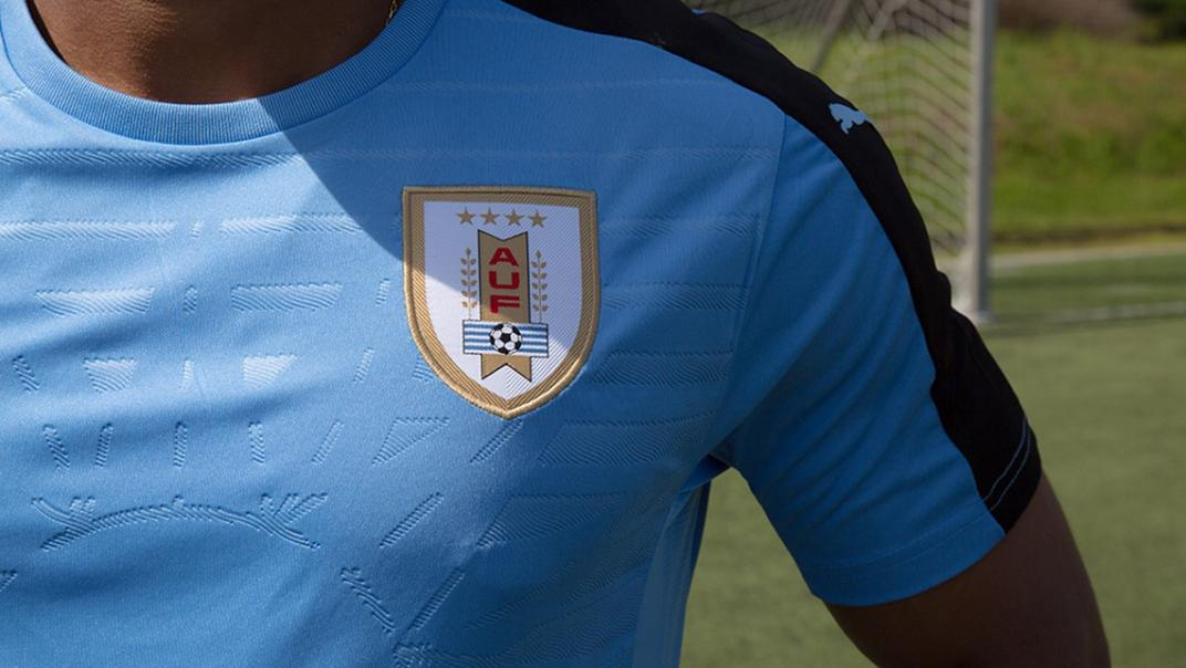 La FIFA ordenó a Uruguay quitar dos estrellas de su camiseta