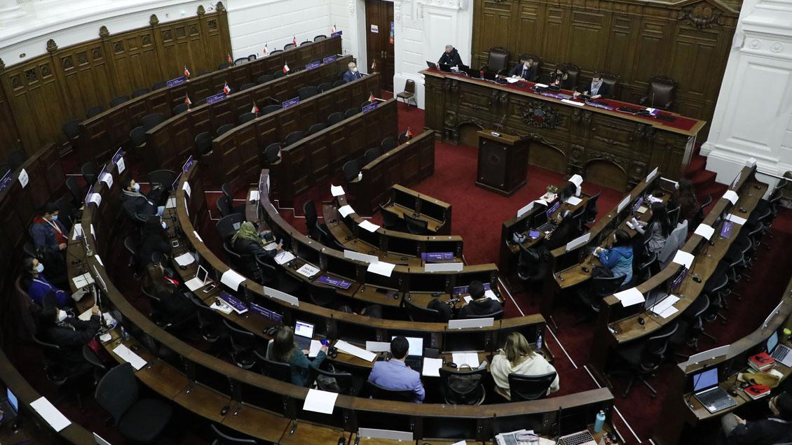 Reglamentos: Constituyentes deberán votar más de 1.000 indicaciones la próxima semana
