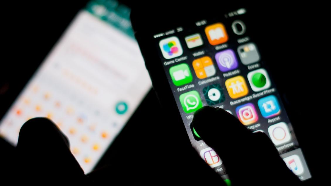 Proyecto de ley busca regular el acceso a redes sociales para menores de 14 años