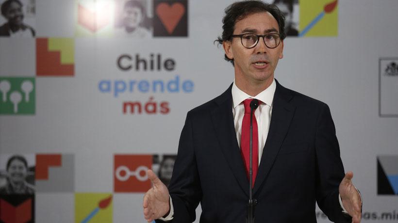 Comisión que revisará acusación contra ministro Figueroa quedó conformada por cuatro diputados oficialistas