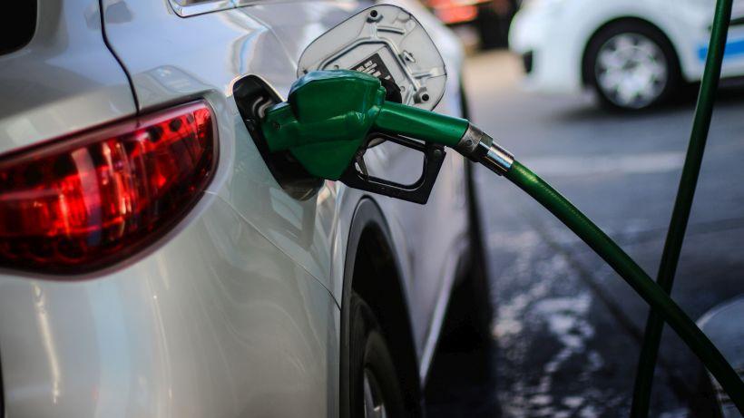 Precio de las bencinas registrará alza por trigésimo quinta semana consecutiva